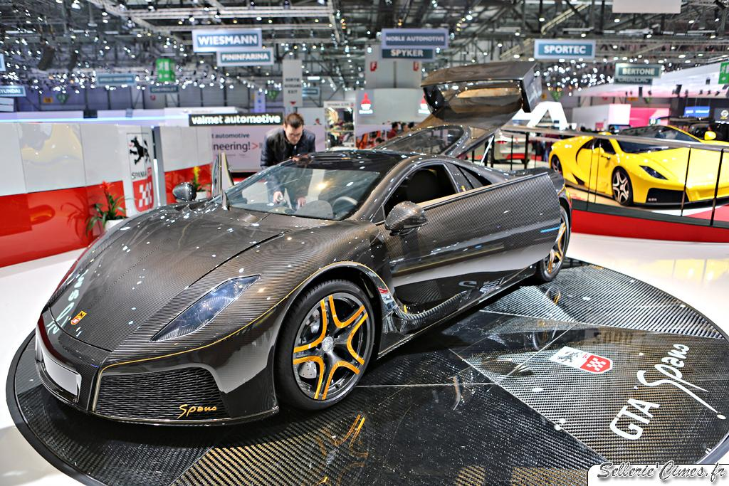 Spania GTA Spano carbon and gold 001
