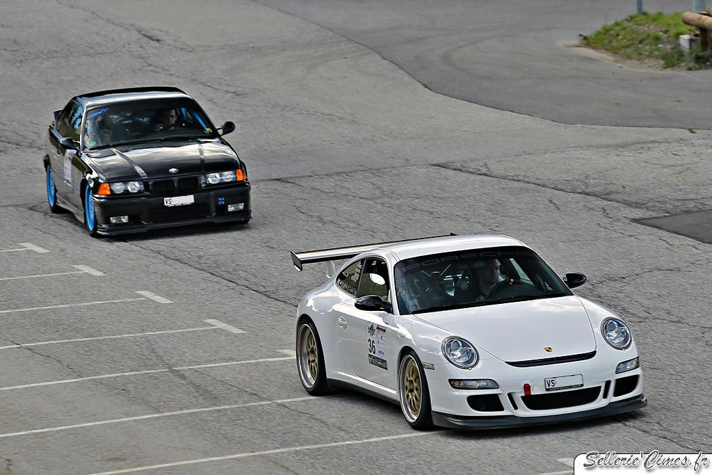 Porsche 997 GT3 RS vs BMW M3 E46